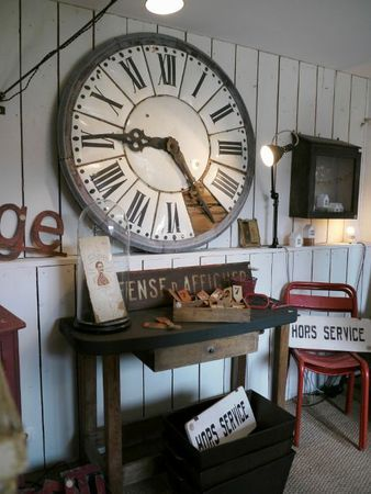 brocante d co vintage industrielle ancienne horloge. Black Bedroom Furniture Sets. Home Design Ideas