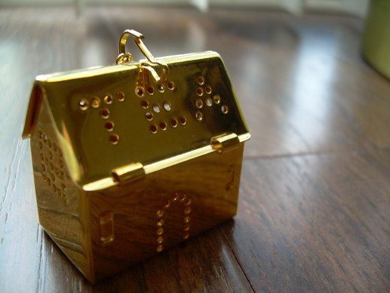New Vintage Tea infuser in Gold by andraliz on Etsy, $7.00