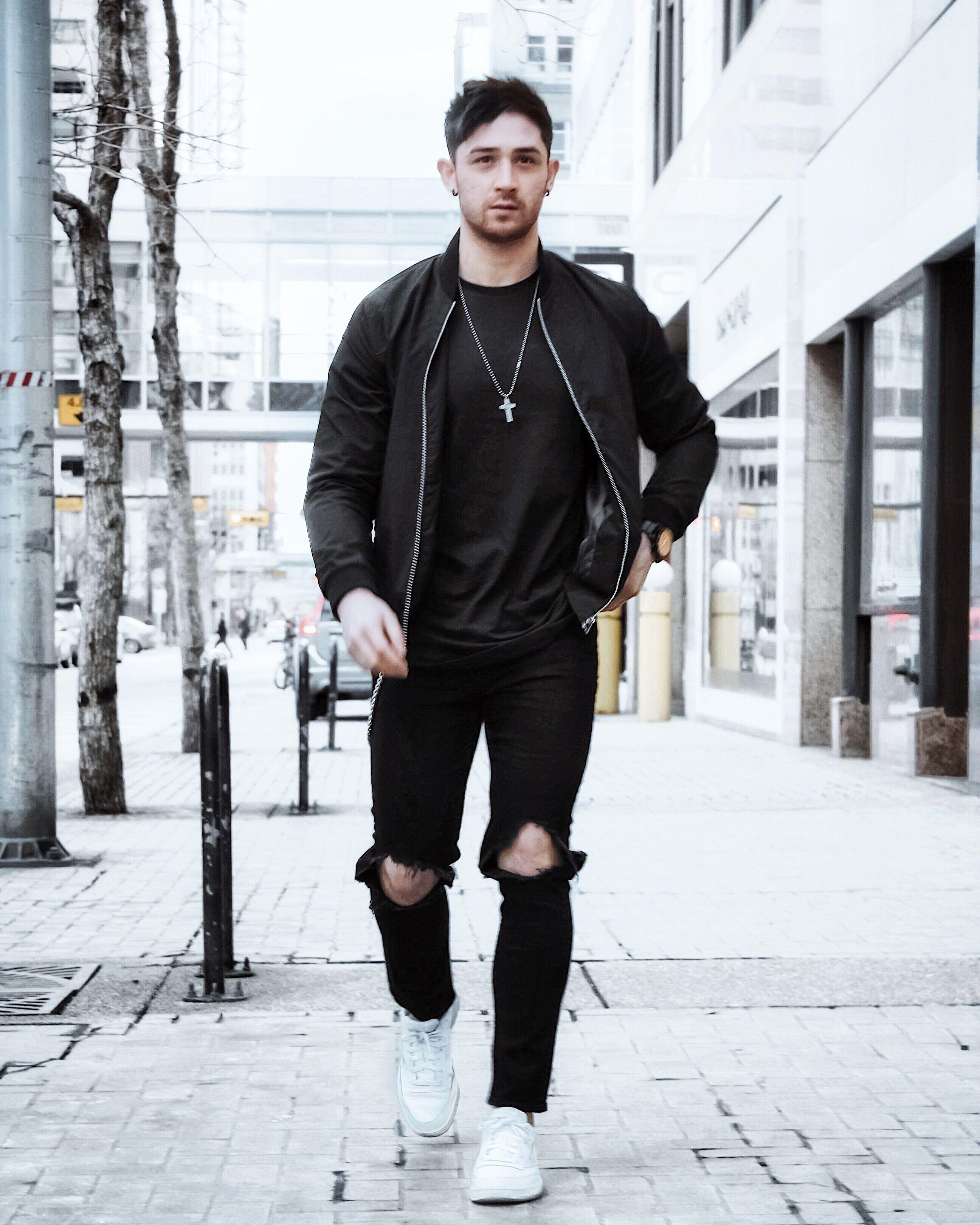 Instagramblogger Men Street Fashion Black Outfit Men Streetwear Inspiration [ 3240 x 2592 Pixel ]