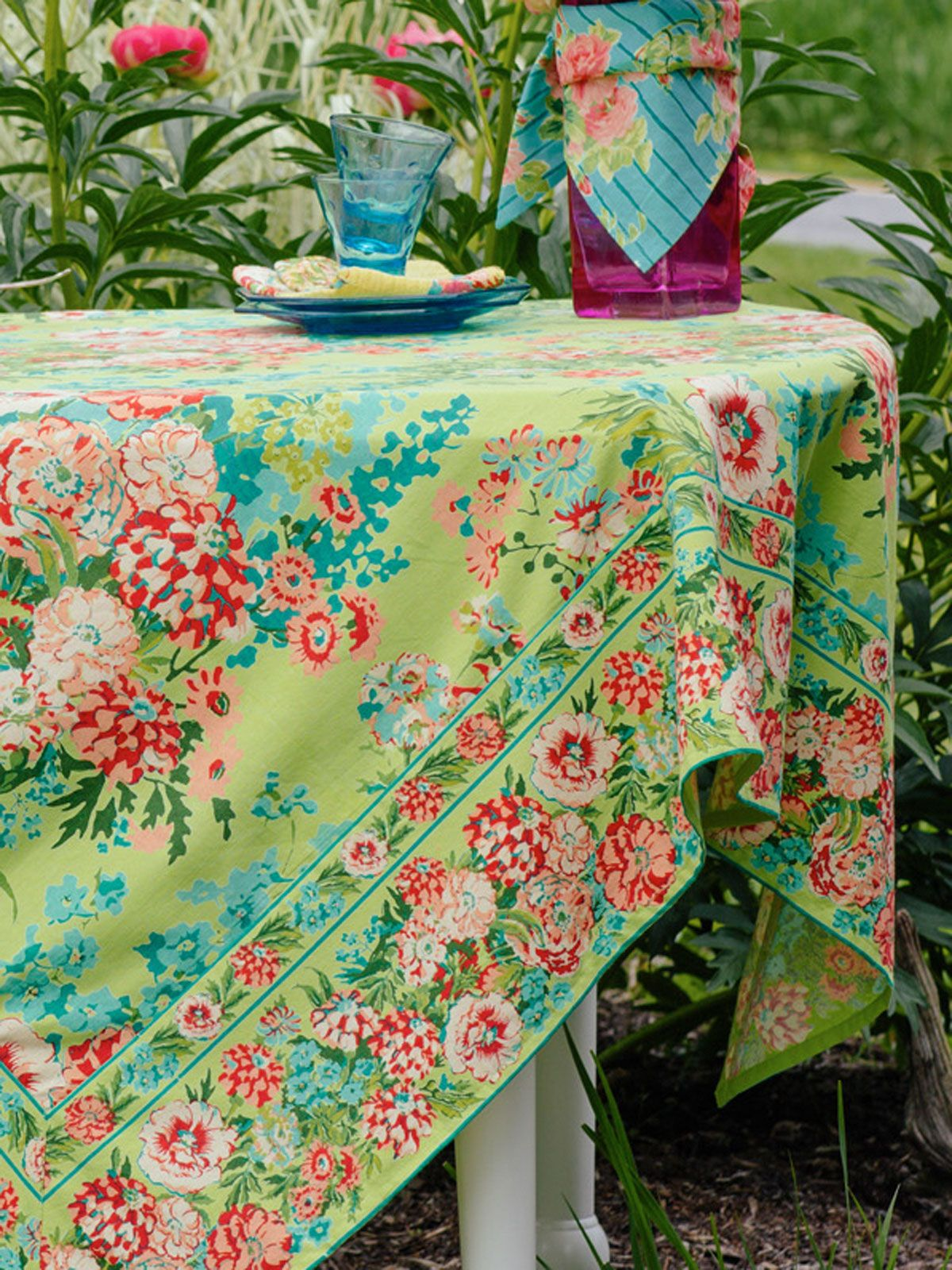 Zinnia Garden Tablecloth Lime Collections Color Garden Beautiful Designs By April Cornell Table Cloth Spring Table Settings Green Decor