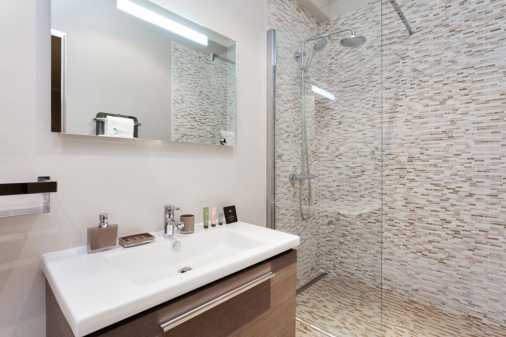Location vacances appartement XVIe Trocadéro Salle de bain - location studio meuble ile de france