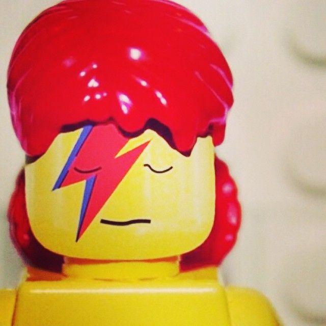Får lyst til at lege med #lego #davidbowie