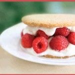 Raspberry Shortcake - Over 100 Free Ideal Protein Recipes #idealproteinrecipes #idealprotein #weightlossrecipes