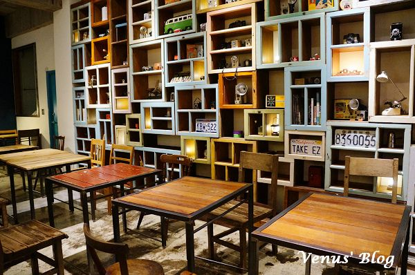 【台北咖啡館推薦】小破爛咖啡館 - 店內以不少二手物佈置、舊東西新生命
