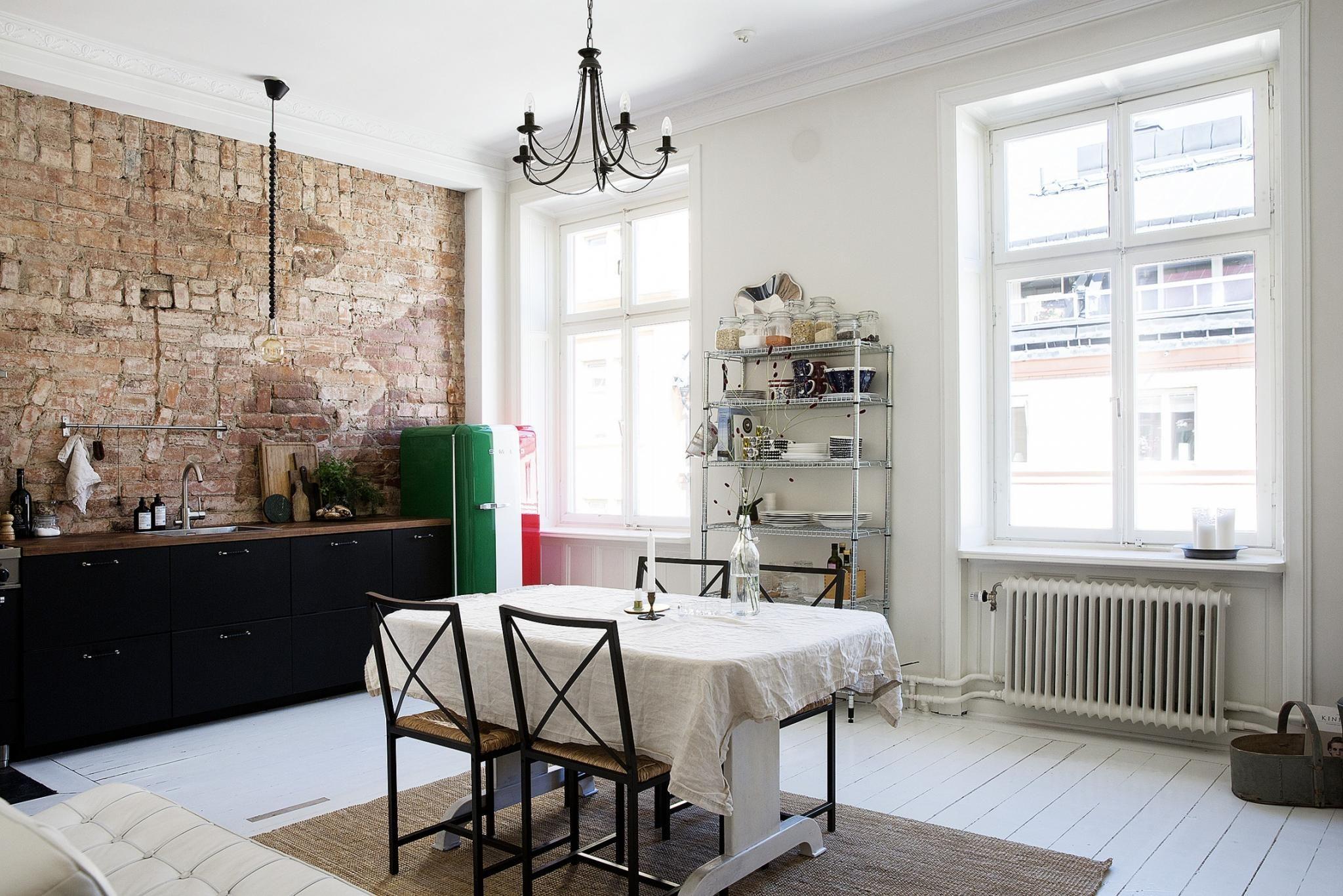 Keuken Industriele Smeg : De industriële keuken is de smaakmaker van dit appartement