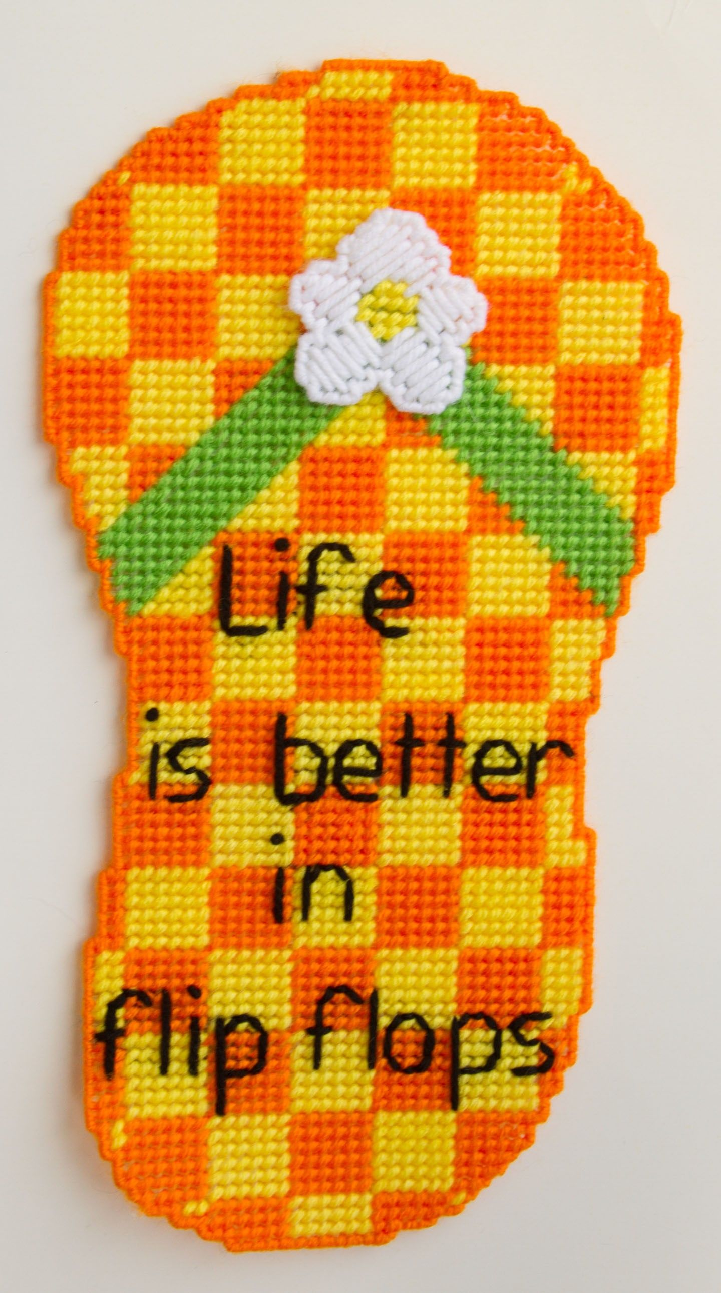 plastic canvas patterns | Plastic Canvas-Flip Flop Wall Hanging ...