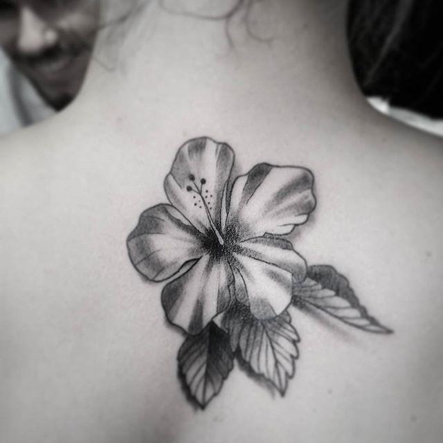 25 Totally Tropical Tattoos That Ll Make It Summer All Year Round Hibisco Tatuagem Tatoo Tattoo On