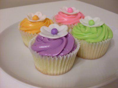 Delightful Dessert: Hawaiian Cupcakes