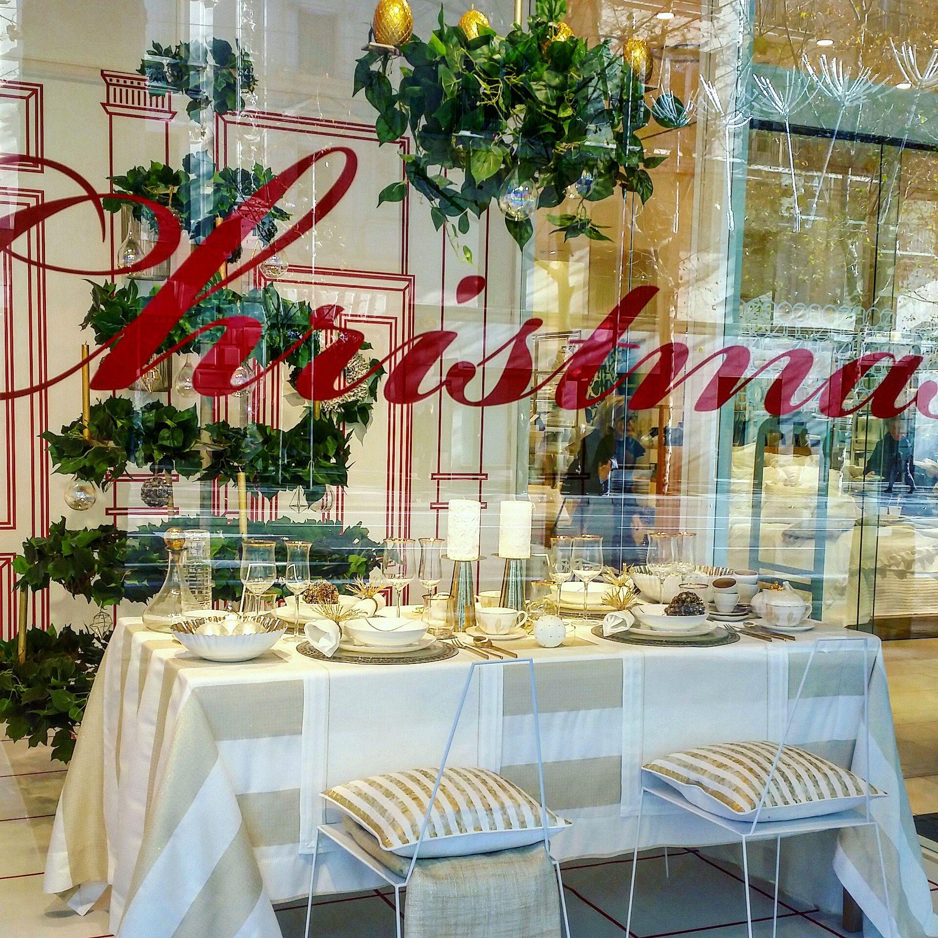 Mesa de Navidad de Zara Home Foto: @brezoymostaza | Mesas bonitas ...