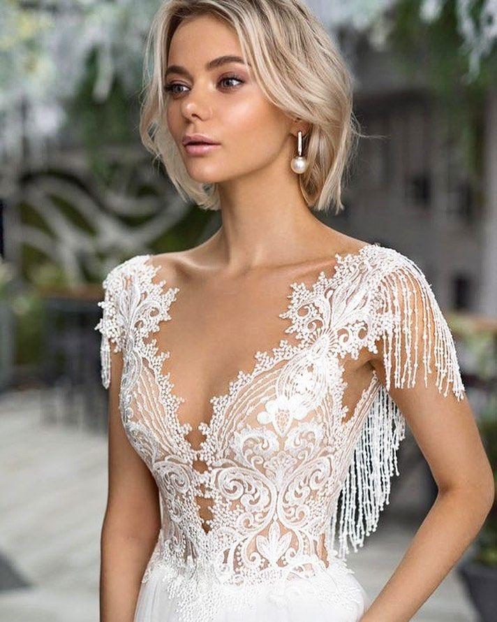 Kleid Modelle und Hochzeitskleid Modelle und Ideen Schulter an Rücken Perlen D... | Disegni iDee ? #hochzeitskleiderhäkeln