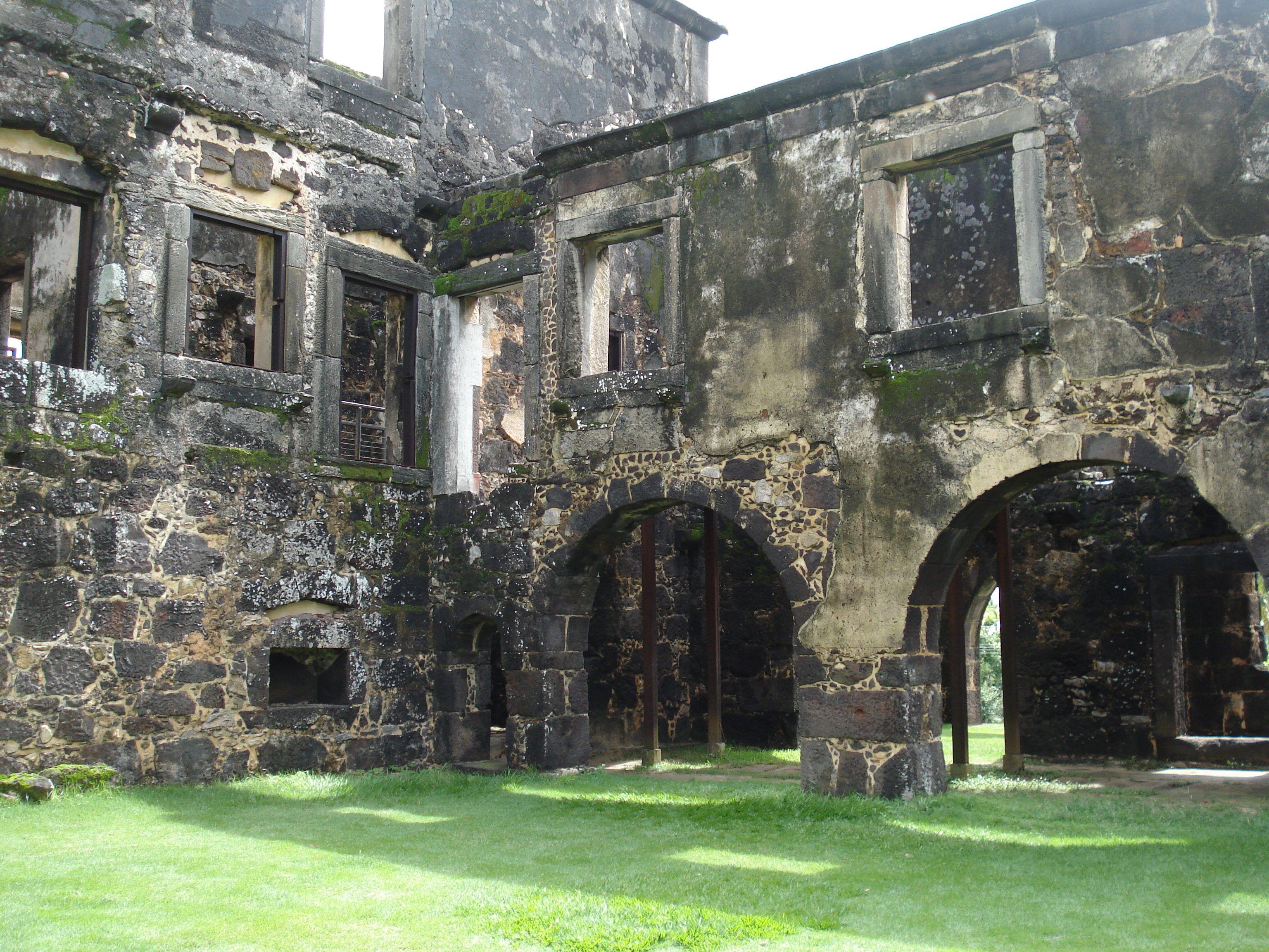 Ruinas do castelo Garcia D´Ávila Praia do Forte-Bahia-Brasil | Bahia, Fotos  antigas, Brasil