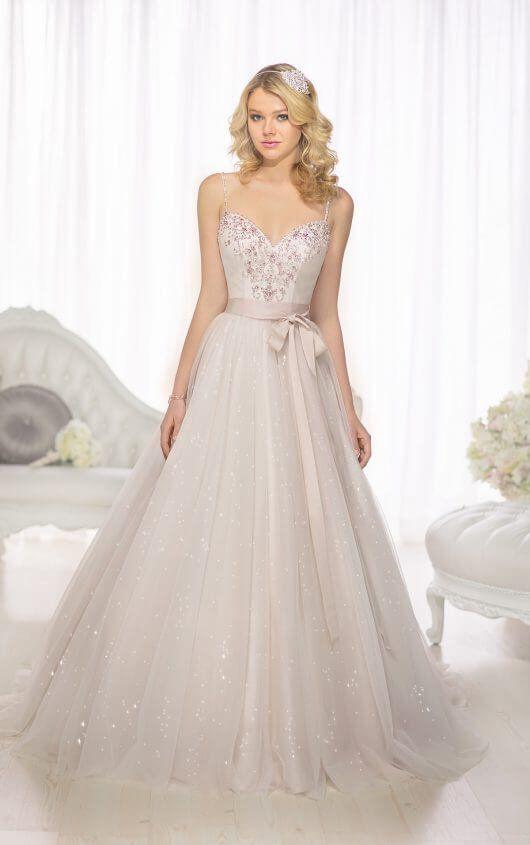 Sweetheart Neckline Wedding Gown from Essense of Australia - Style ...