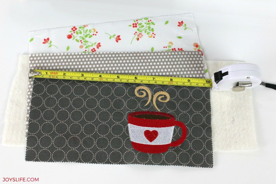 Learn How to Make a Coffee Mug Rug in this tutorial! It's going to make a great place for you to hold a cup of coffee and a snack! #StarbucksCaffeLatte #MyStarbucksatHome AD