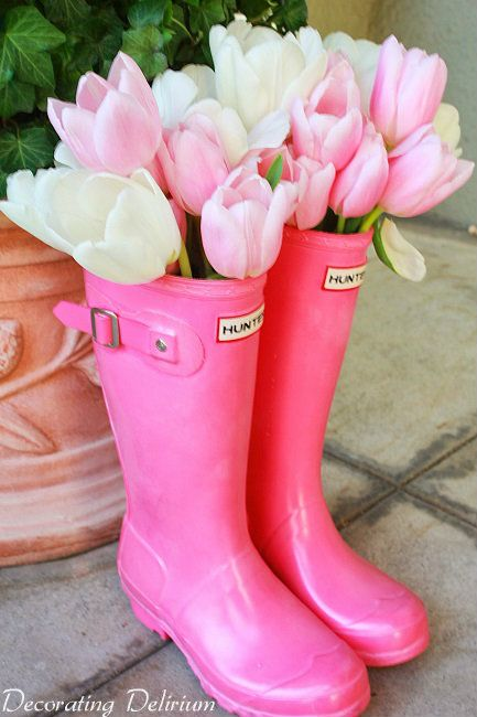 Fun alternative for planting and arranging spring flowers!