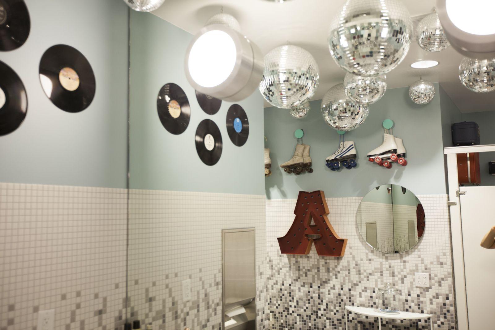 airbnb insane sf office headquarters airbnb office tour san francisco tech companies bathroom