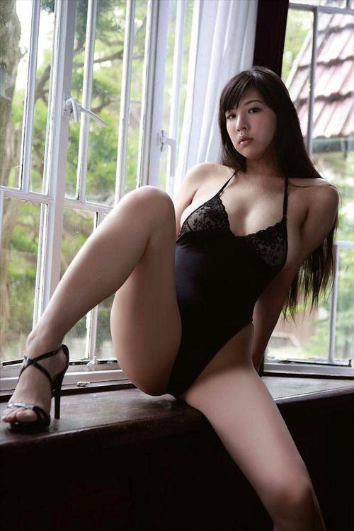 girl spread sexy bikini asian