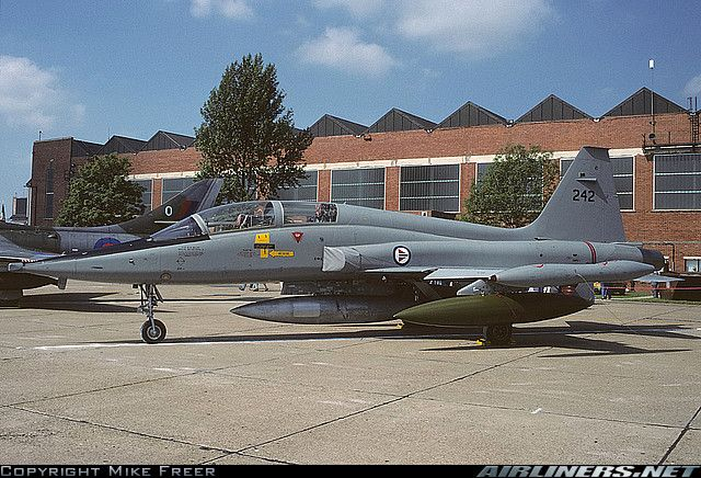 Northrop F-5B Freedom Fighter aircraft picture