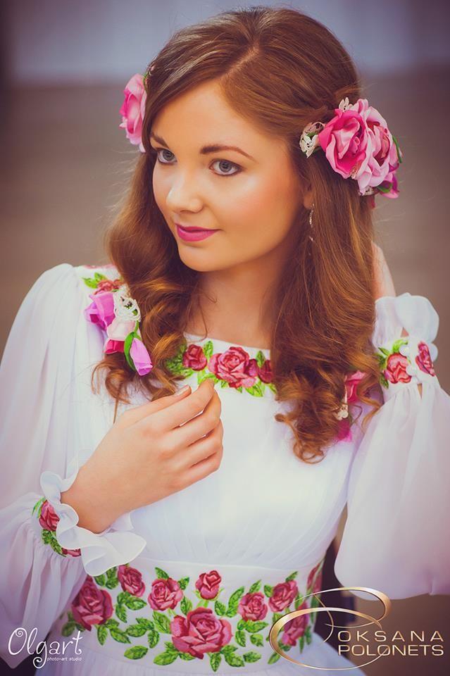 Дизайн-студія Оксани Полонець - Сукня коштує 10500 грн· Вечірнє та весільне  вбрання з 9dcbab5d0faf0