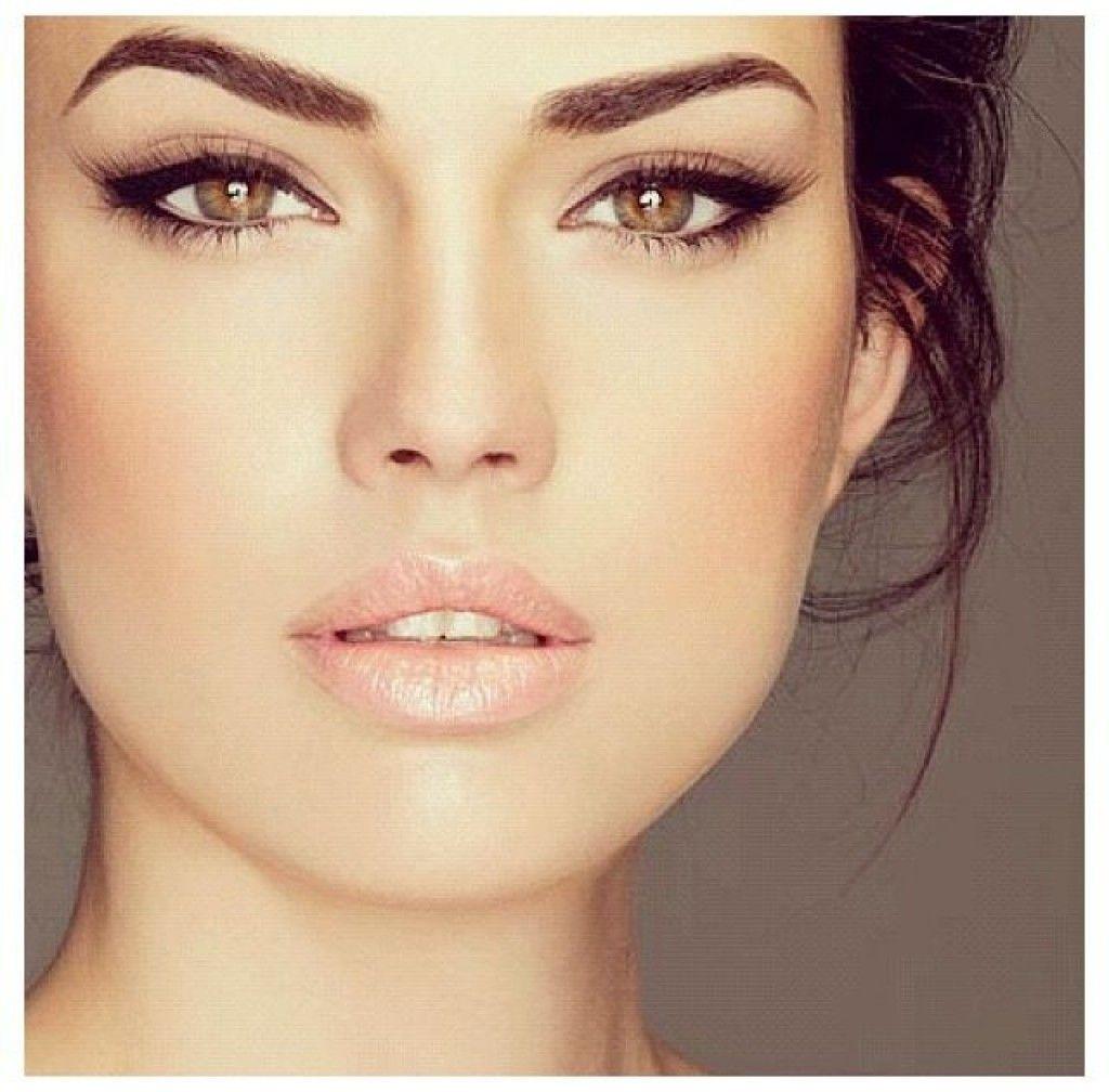 Красивое лицо с макияжем фото