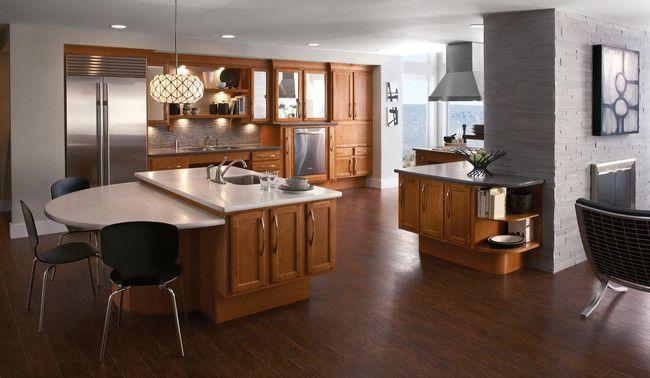 Maple Kitchen In Praline Kraftmaid I M Really Liking This Kitchen In Praline Kitchen Cabinet Styles Kitchen Remodel Traditional Kitchen Cabinets