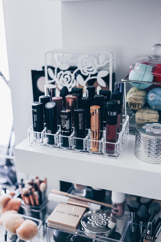 meine neue schminkecke inklusive praktischer kosmetikaufbewahrung beauty inspiration tipps. Black Bedroom Furniture Sets. Home Design Ideas