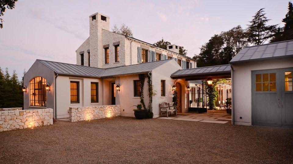 rustic mediterranean farmhouse exterior design 7 on gorgeous modern farmhouse entryway decorating ideas produce a right one id=93953