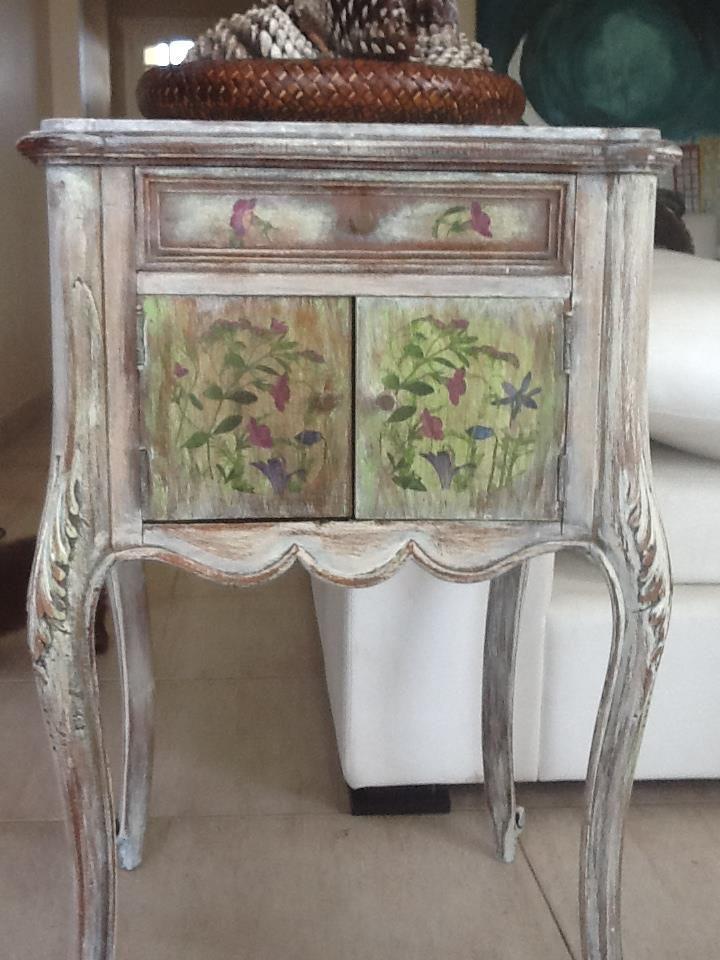 Muebles reciclados de segnomaterico muebles vintage - Puff de mimbre ...