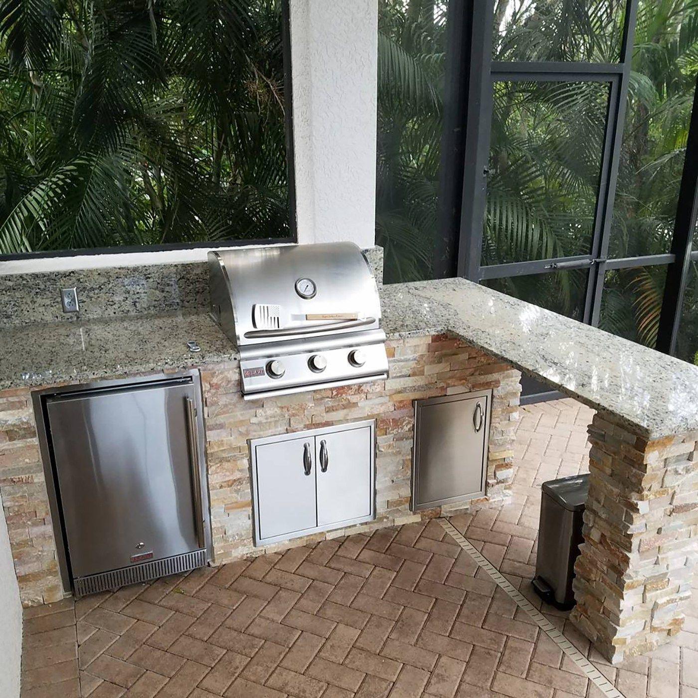 The Overhang Custom Outdoor Kitchen Creation Outdoor Kitchen Outdoor Kitchen Grill Outdoor Kitchen Bars