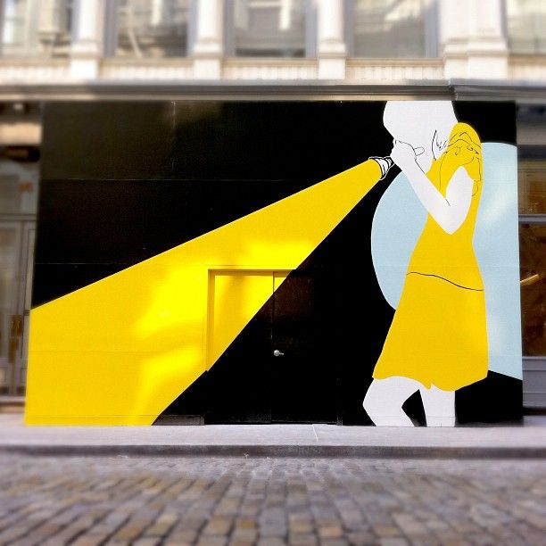 Natasha Law\'s Wall Mural On Tiffany\'s Temporary Façade Of Their Soho ...