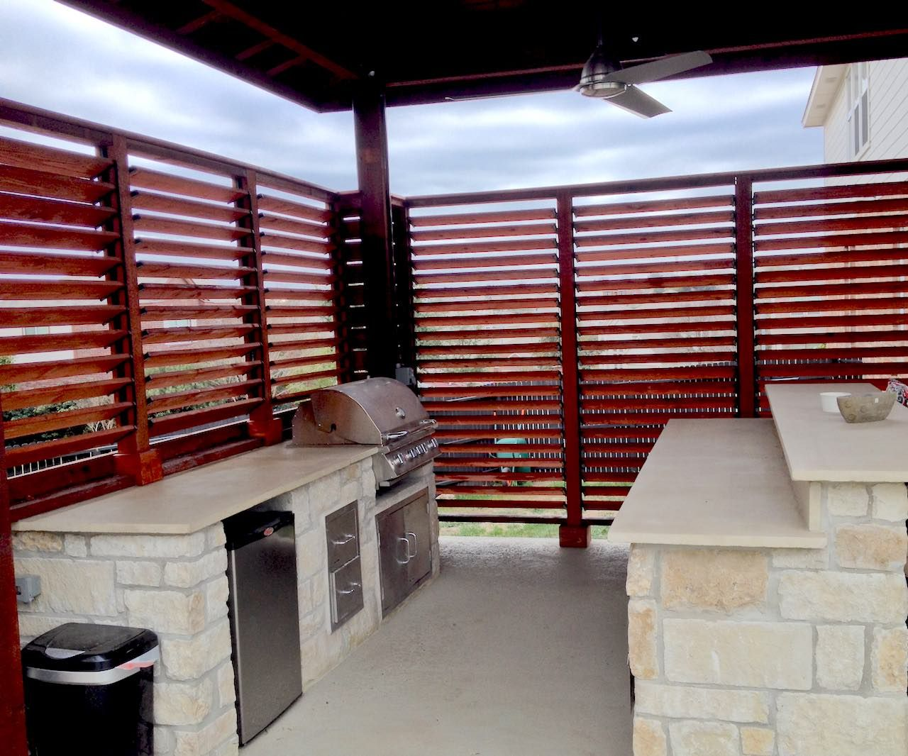 Fences were made for the FLEX•fence hardware kit. Check out the front yard privacy screen and the privacy retaining wall. Fences look great with FLEX•fence.