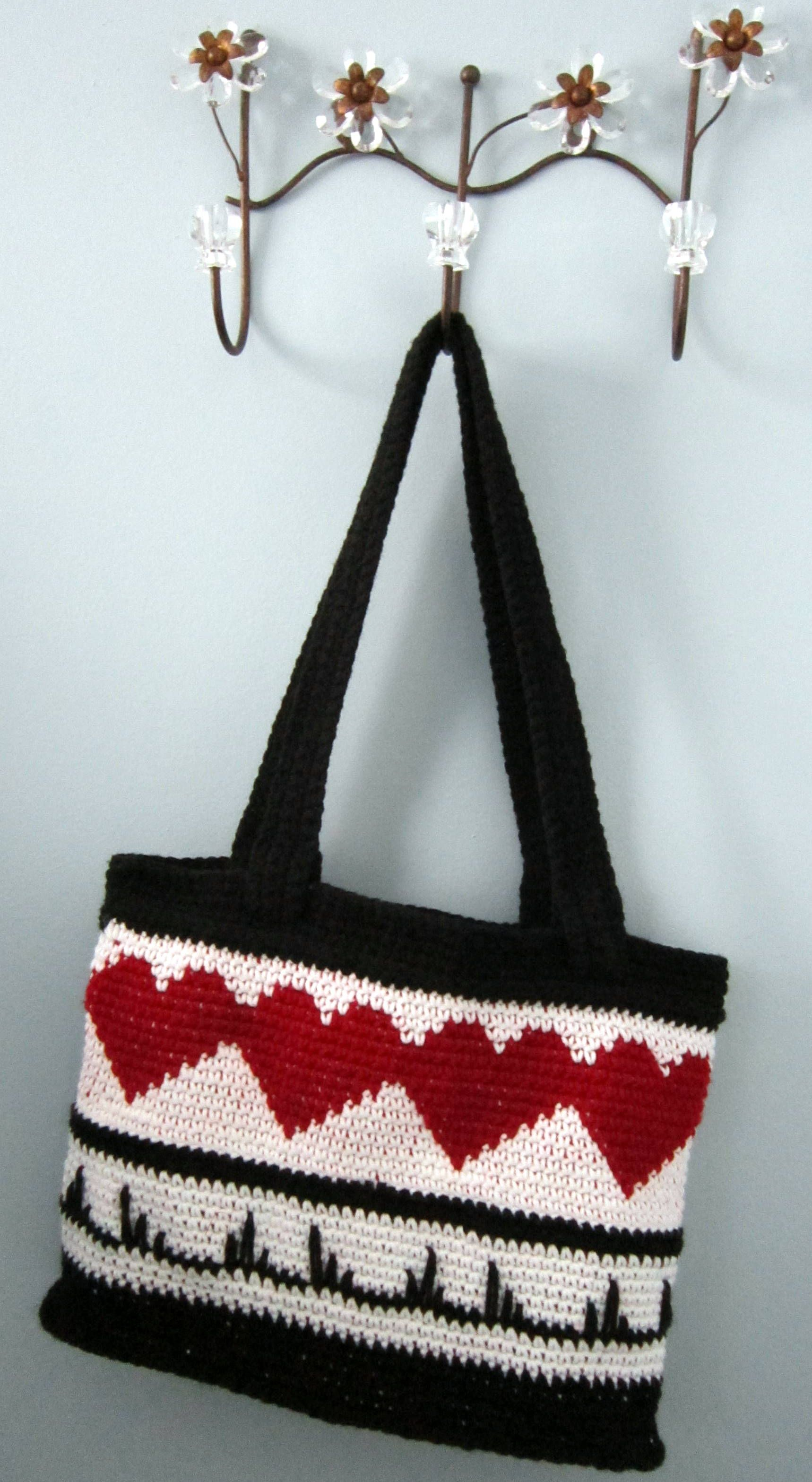 Heart throb1 tote free pattern at wolf crochetwordpress tote free pattern at wolf crochetwordpress bankloansurffo Gallery