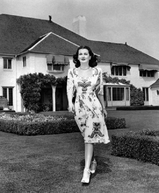 Vintage Hollywood Homes 10 incredible hollywood vintage mansions: how the stars lived