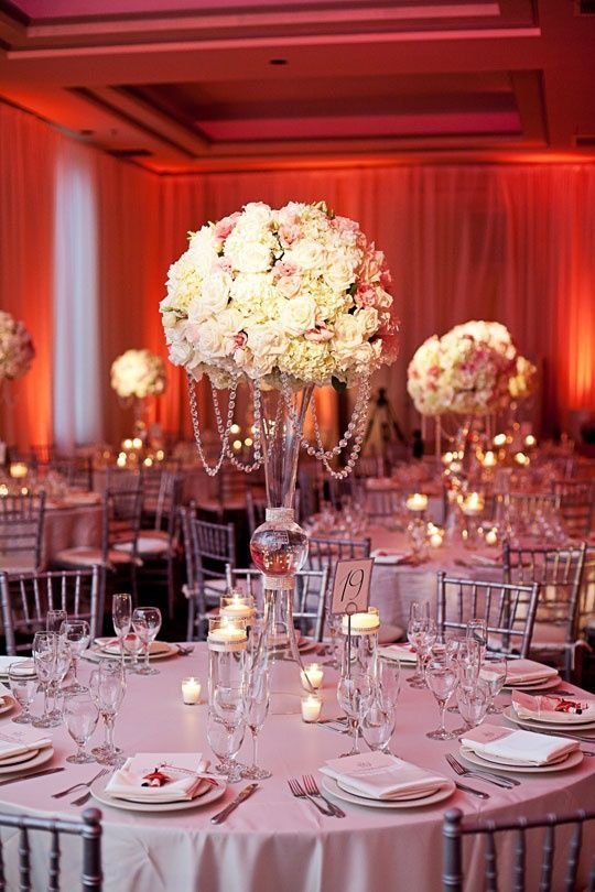 A beautiful holiday table setting. Pink CenterpiecesQuinceanera ... & A beautiful holiday table setting | Holiday Elegance | Pinterest ...