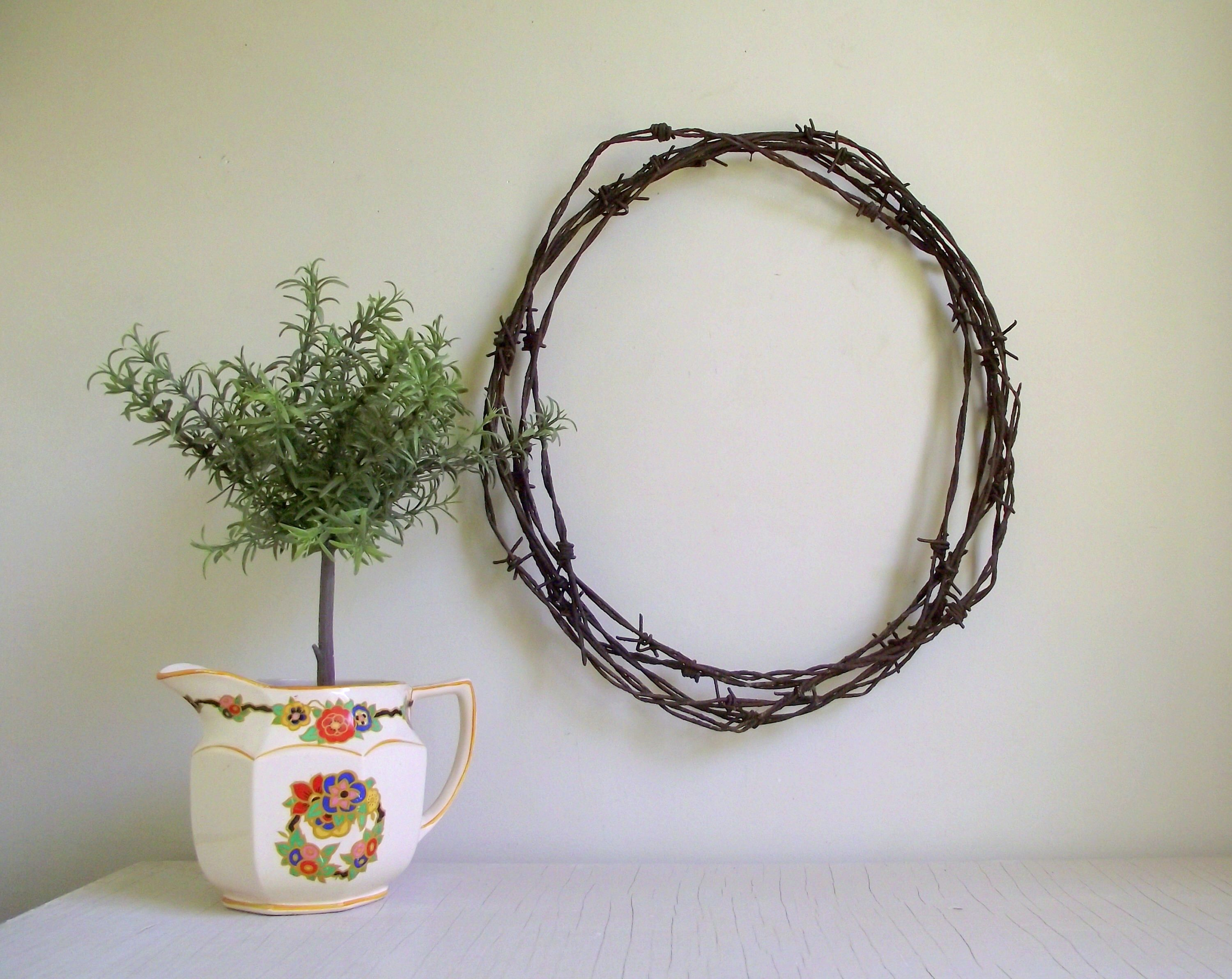 Barbed Wire Wreath , Antique Weathered Rusty Patina , Rustic Wall ...