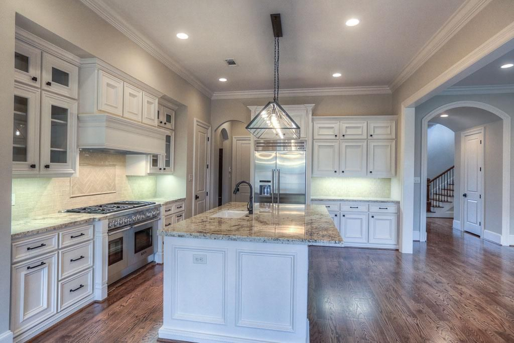 1525 Wakefield HOUSTON, TX 77018: Photo This Kitchen Features A Thermador  Appliance Package Including