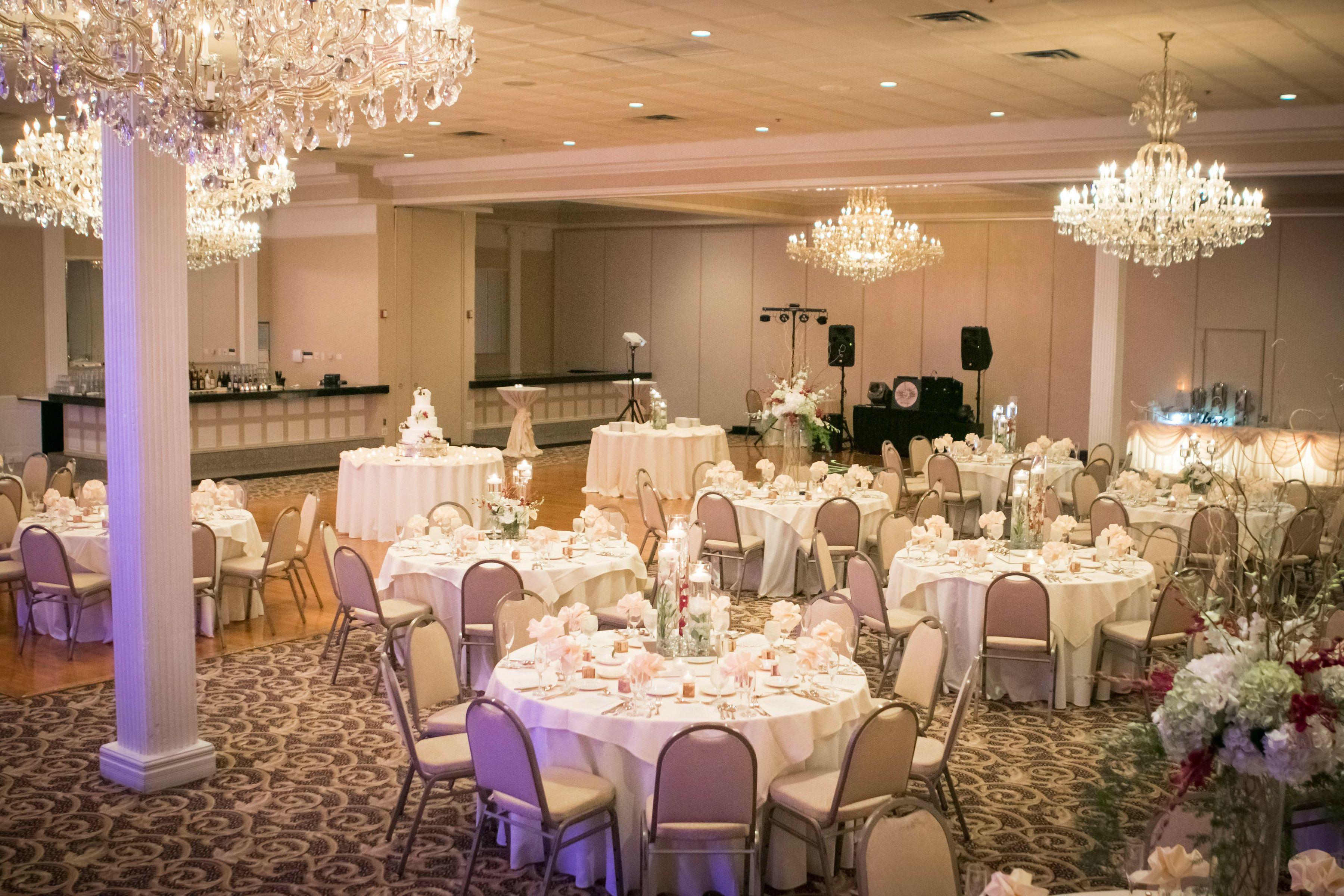 Banquet Wedding At Abbington