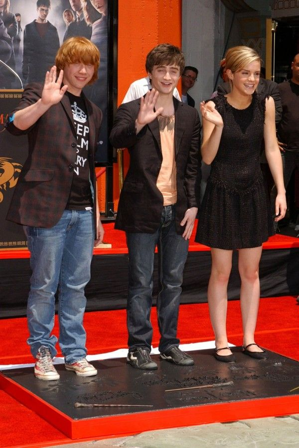 Emma Watson And Daniel Radcliffe Holding Hands Rupert Grint with Dani...