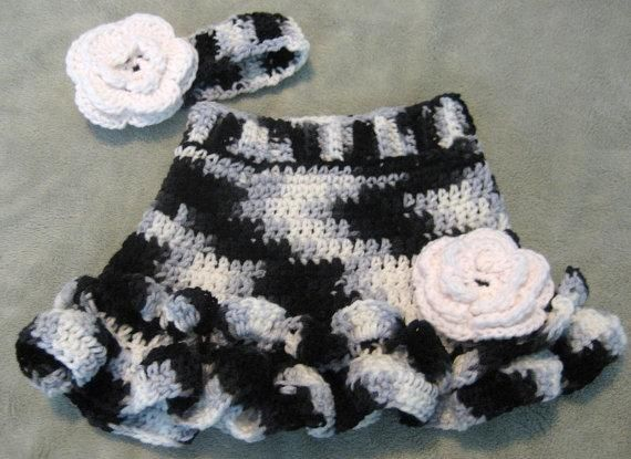 Baby Diaper Cover Pattern Free | Crochet Baby Diaper Cover Set by Seraphinas | Crocheting Ideas