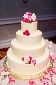 Order Wedding Cakes Online On Wedding Cakes With Edibles Incredible  Desserts 12 #19655 The Best Wedding Image Gallery Ideas In The World |  Kibuck.com