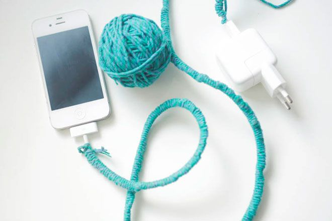 Make your own colourful electric cords with yarn - Blog Benetton