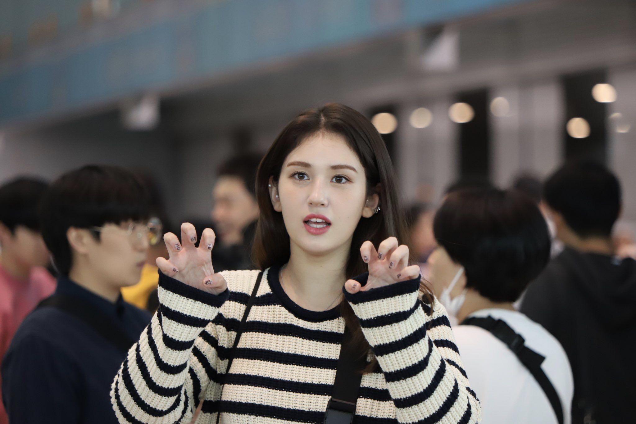Jeonsomi Somi Ioi Blacklabel Jyp Cutie Love Kpop Korean Canadian Blackpink Twice Chungha Nct Yg Nct Rain