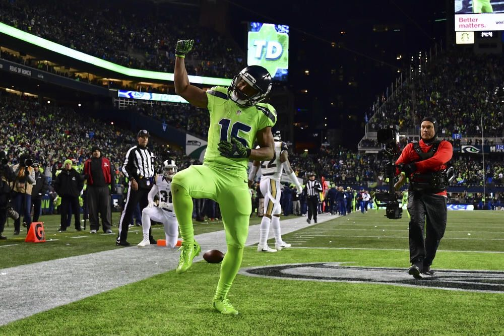 meet 9eb9c c0e1e Tyler Lockett in action green | Seattle Seahawks Memes ...
