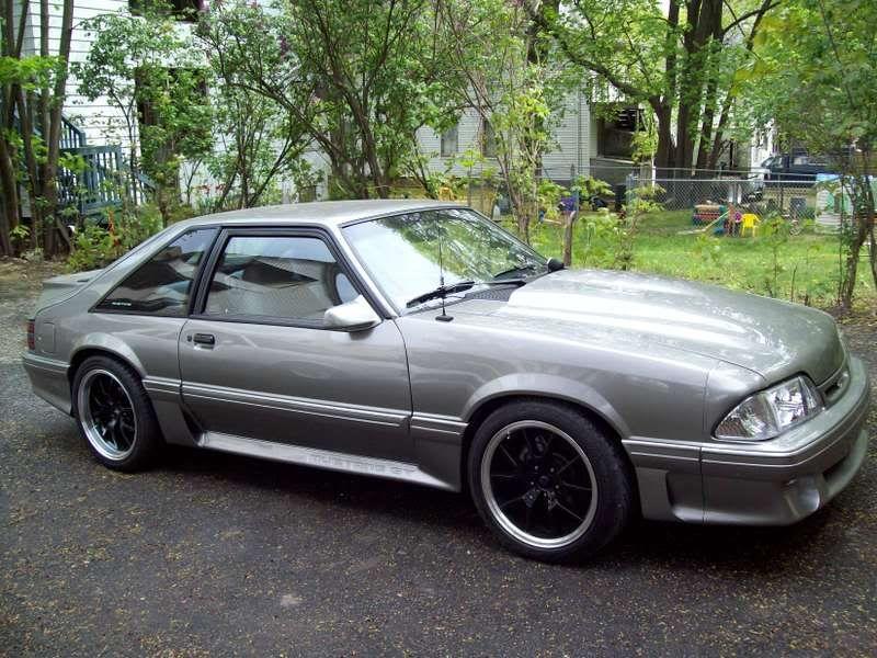 18x10 285/35/18 rear 18x9 255/40'/18 front Fox body 18