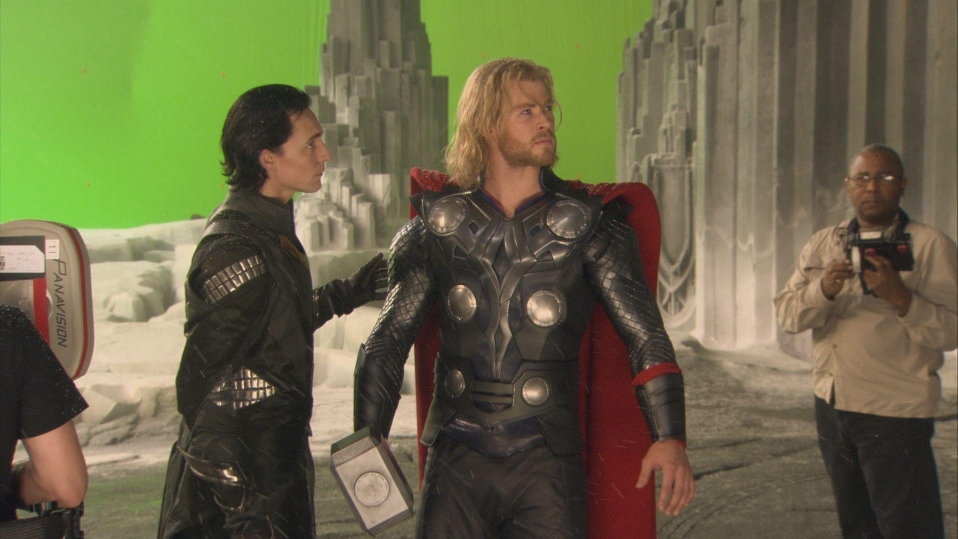 Thor (2011) - Behind the scenes - Thor & Loki | Loki costume, Loki ...