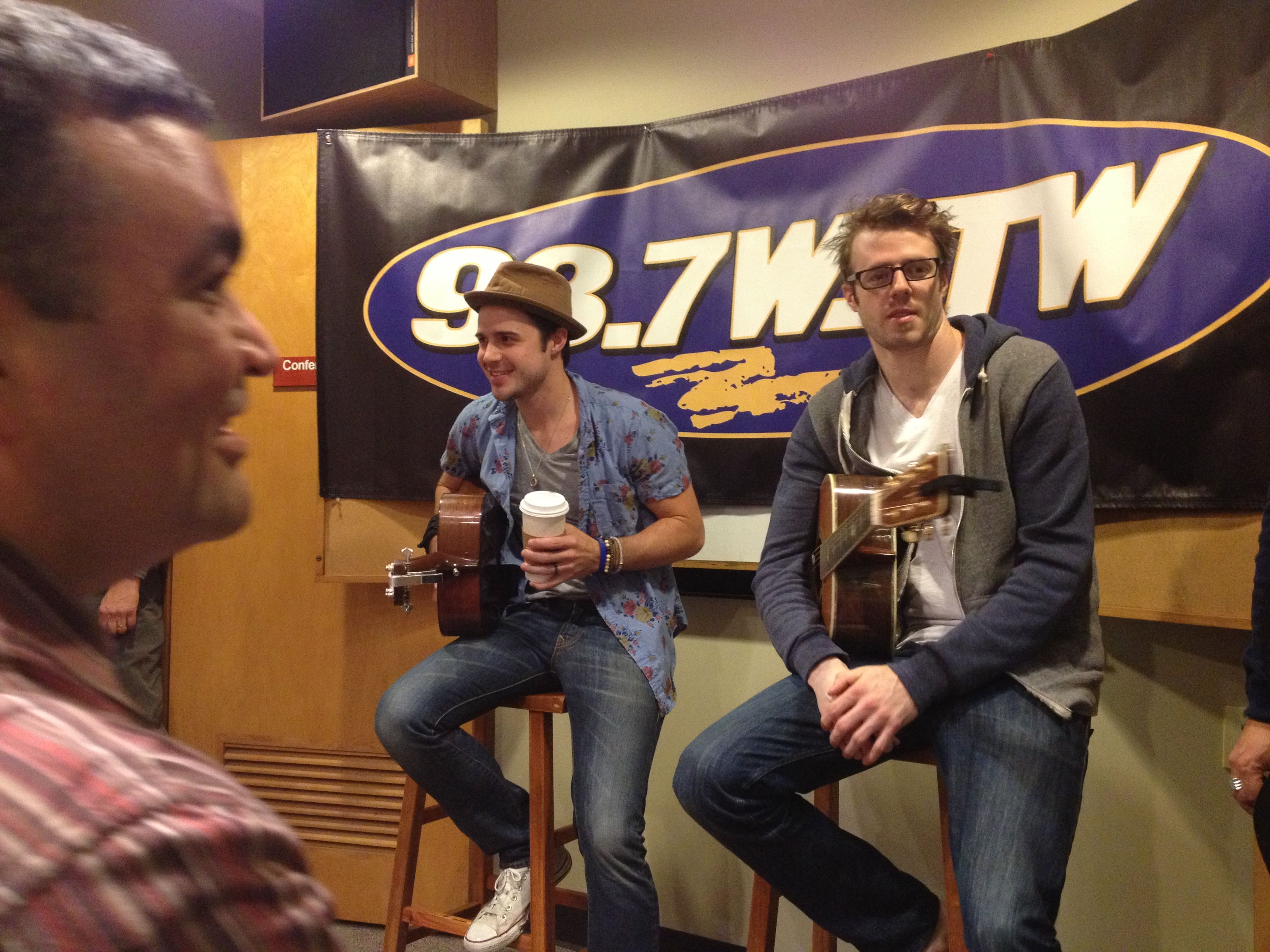 #KrisAllen (Winner of #AmericanIdol) stopped by the station