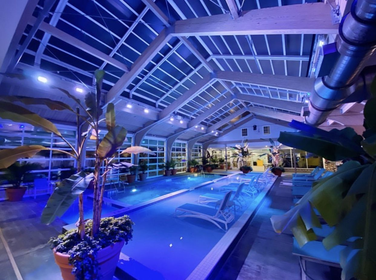 Hotel Lbi Retractable Roof Manufactured By Roll A Cover Pool