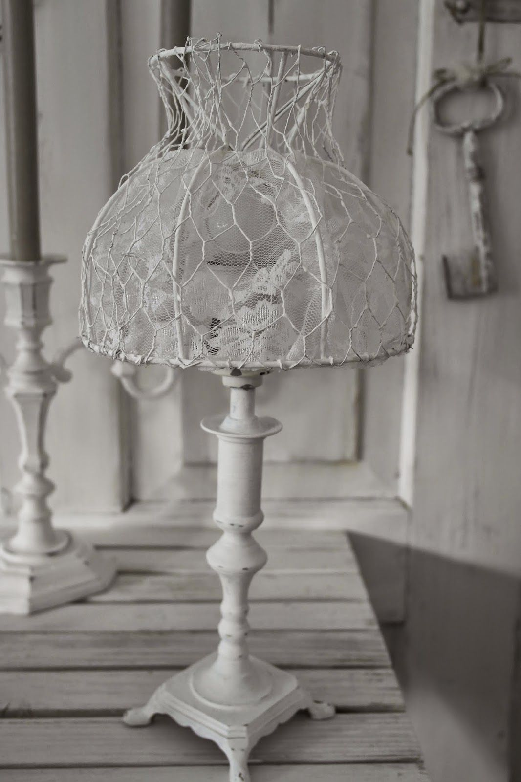 Lamp shade from chicken wire and lace   Diy lamp shade, Shabby ...