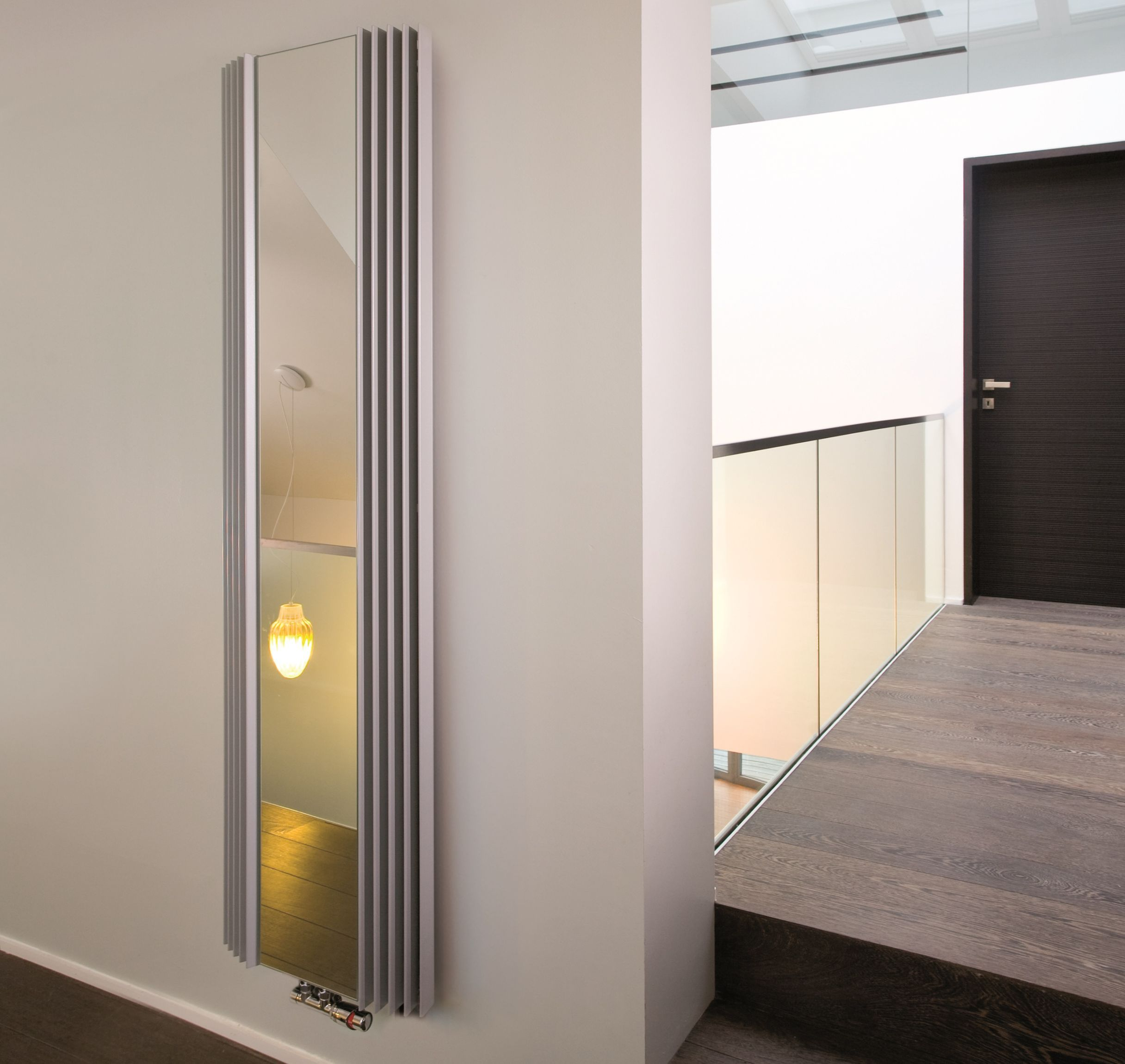 Design Heizkorper Spiegel 220 X Ab 51 Cm Ab 1042 Watt In 2020 Design Heizkorper Design Badheizkorper Und Haus Deko