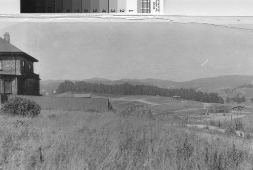 Oakland view [picture] : looking toward the Grand Lake Theatre site in 1908