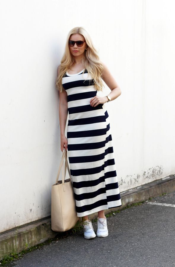 Kia Karin: Striped maxi